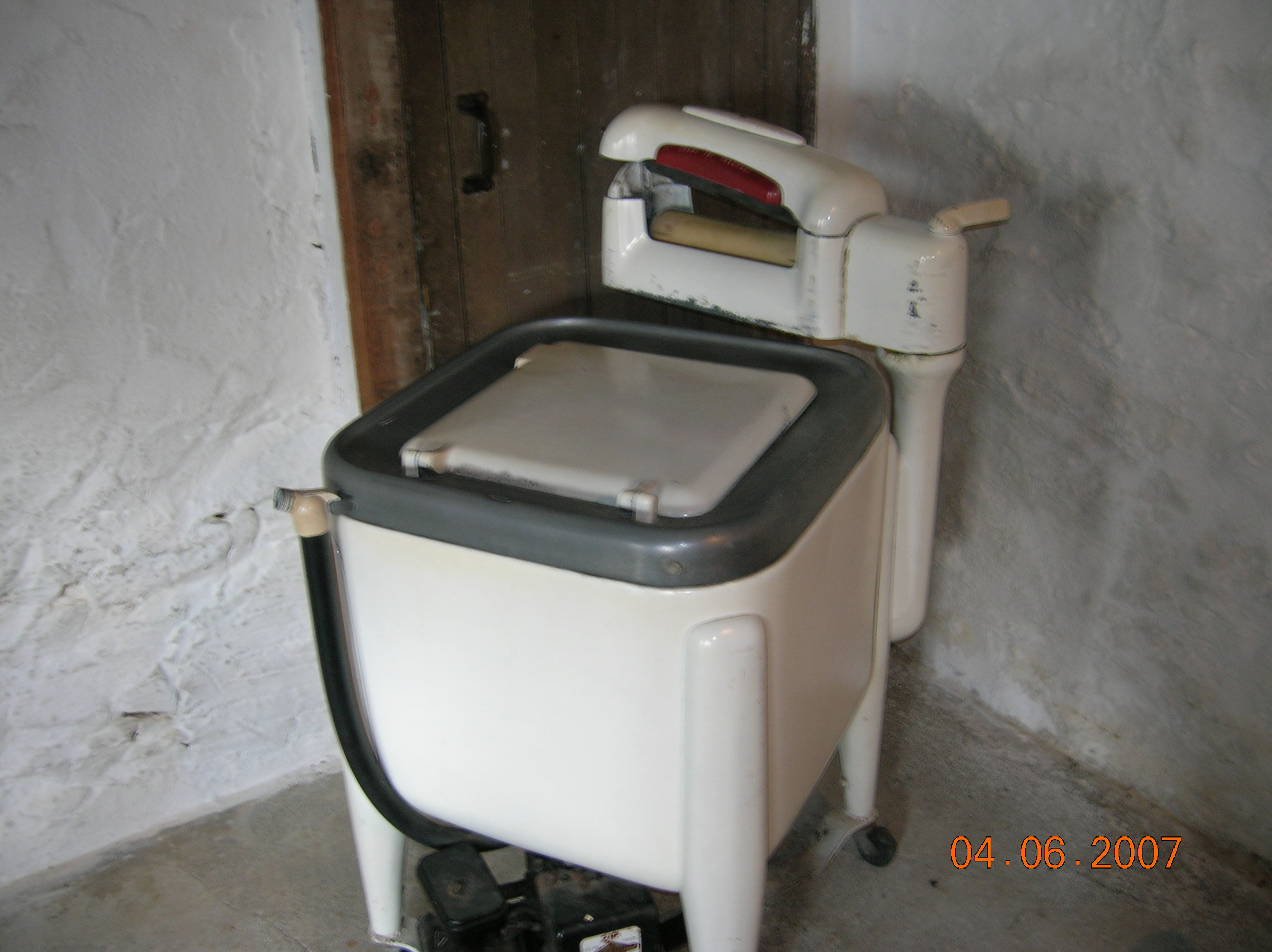 Armish Gas Washing Machine